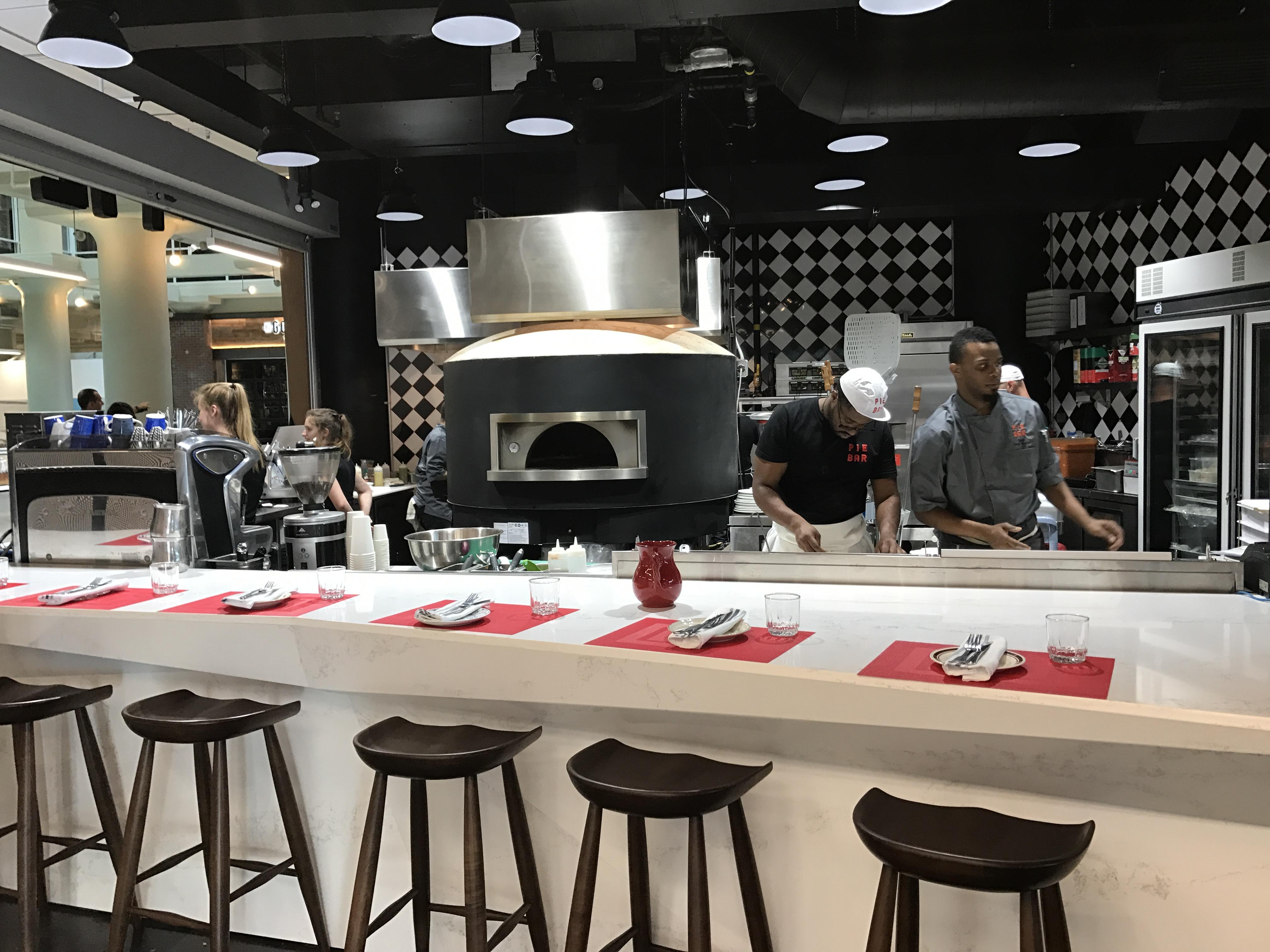 Pie Bar Pizzeria & Cocktails - Toronto