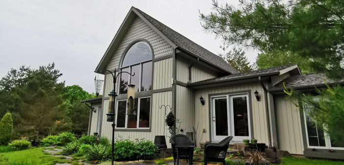 Moonlight & Pines B&B – Port Hope, Ontario (Canada)