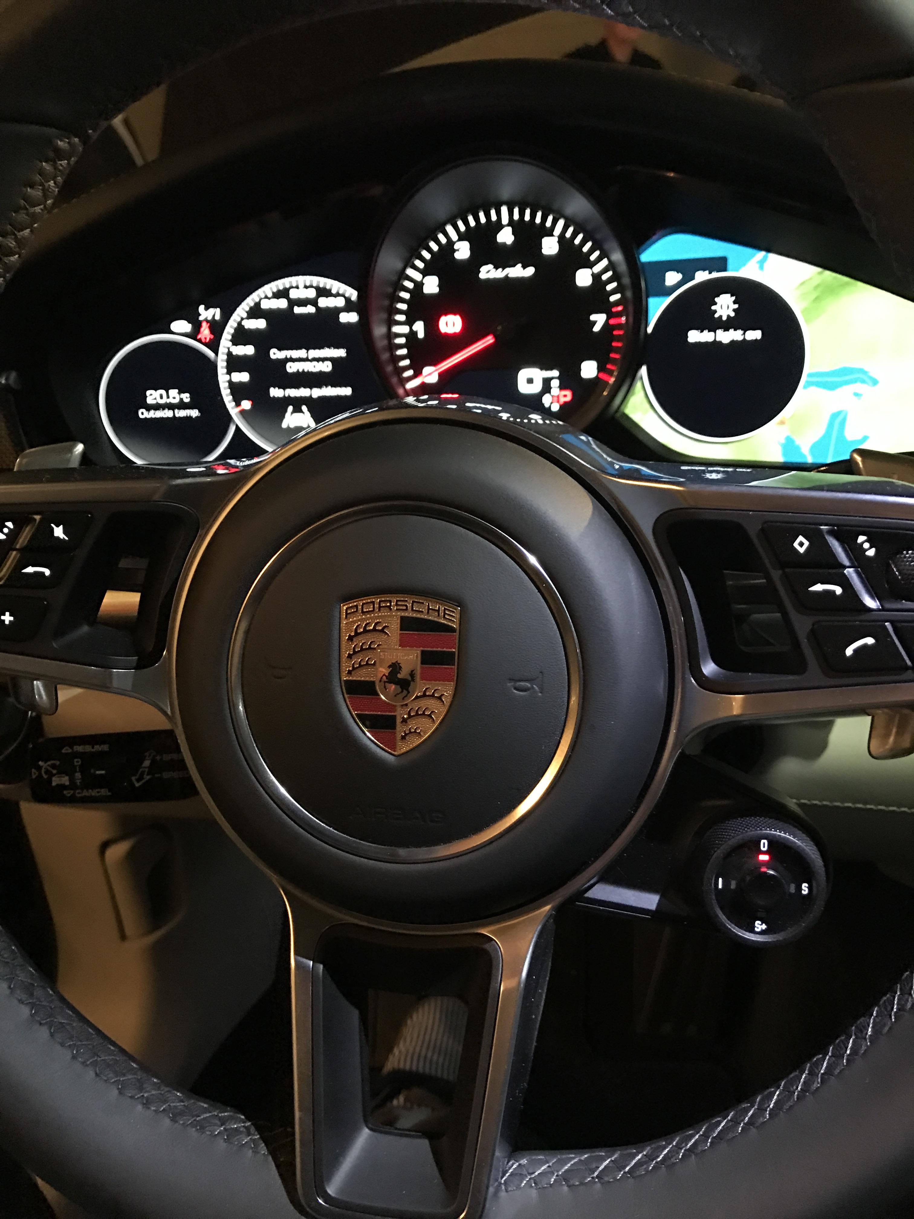 2017 Porsche Panamera - Interior