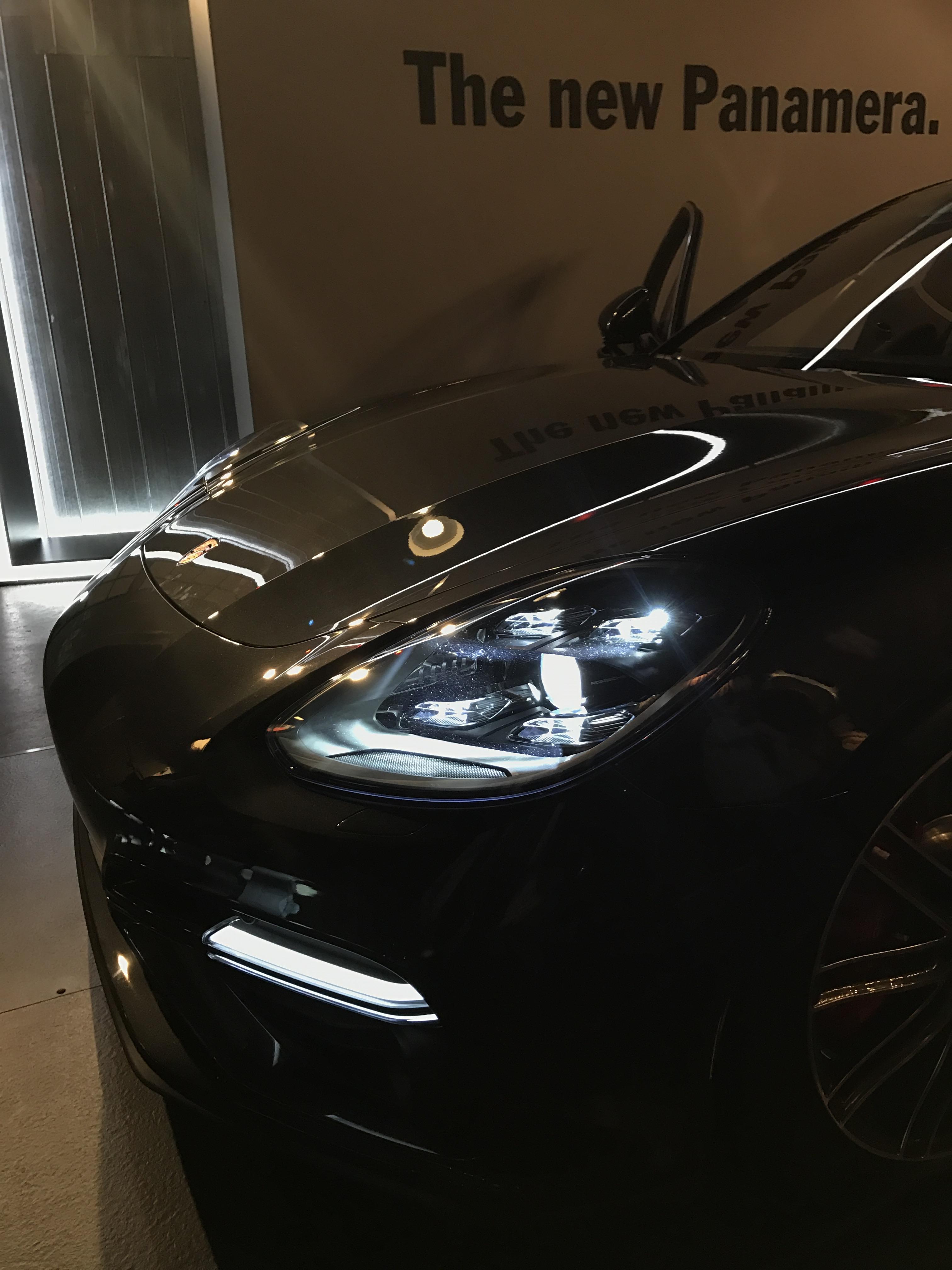 2017 Porsche Panamera - Exterior