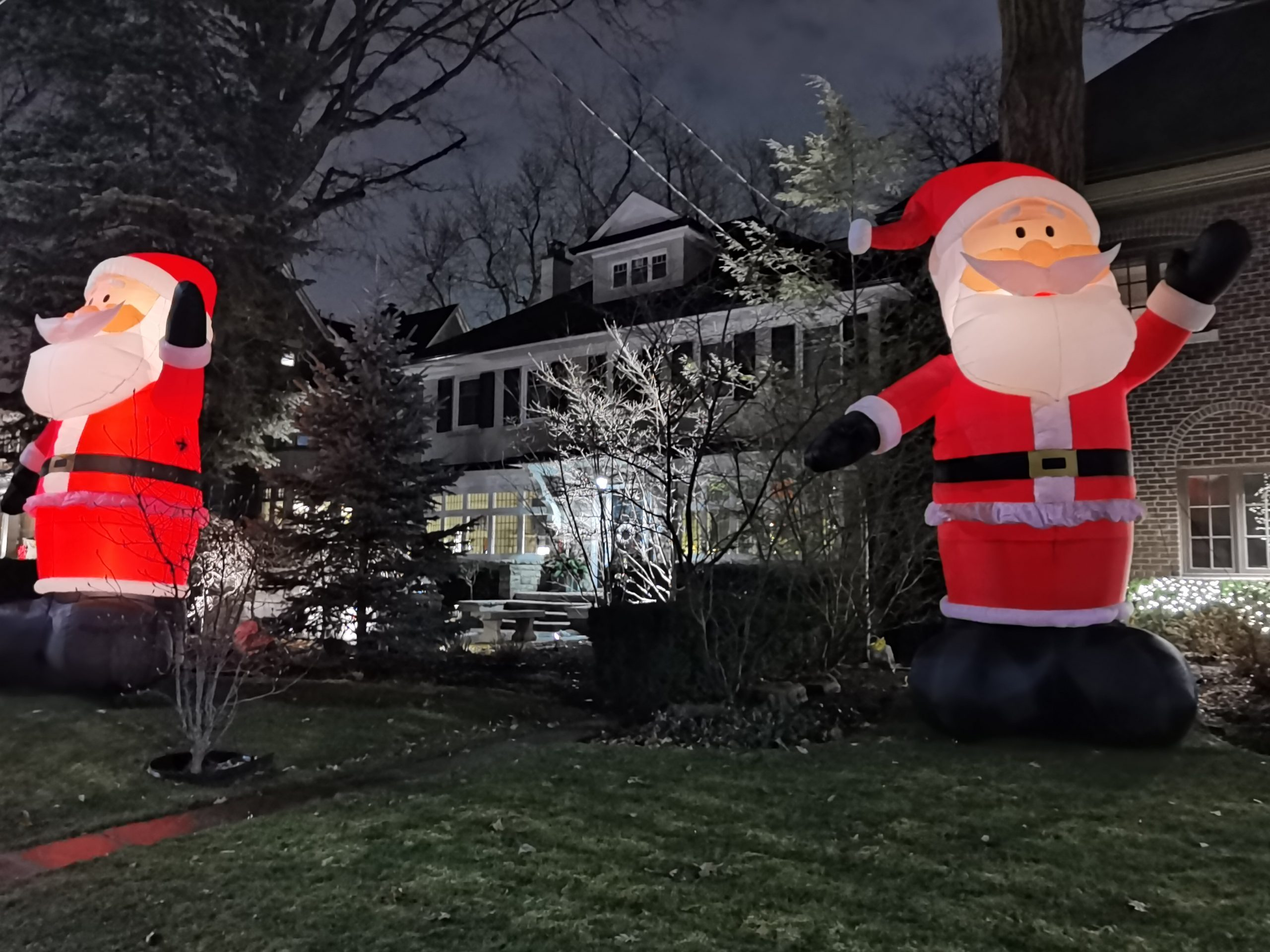 """(By Night) """"Kringlewood"""" Inflated Giant Santa Claus – Inglewood Drive – Ontario, Canada"""