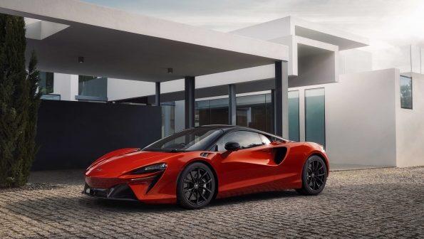 McLaren Artura – All New Hybrid Supercar